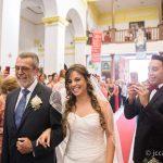 entrada novia en la iglesia a la boda