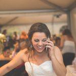 la novia hablando por telefono en la boda fotografo bodas la linea algeciras tarifa
