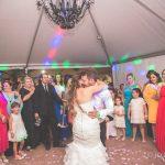 novios bailando entre invitados fotografo bodas la linea algeciras tarifa