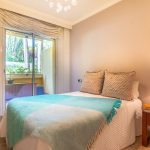 Fotografia interior dormitorio habitacion jccalvente.com diseño decoracion marbella condado sierra blanca